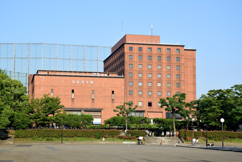 青年 ホール 日本 館
